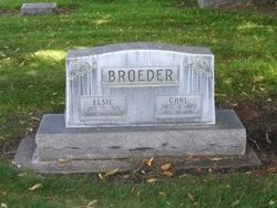 Elsie <i>Sinn</i> Broeder