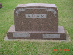 Caroline Adam