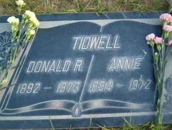 Annie <i>Hogge</i> Tidwell