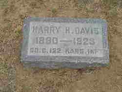Pvt Harry H Davis
