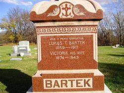 Victoria A Bartek