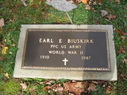 Earl E Biuskirk