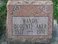 Wanda <i>Blount</i> Aker