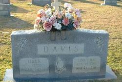 Linnie Mae Davis