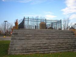 Mary Ellis Burial Site