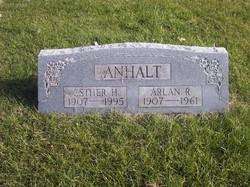 Arlan R Anhalt