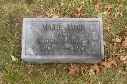 Marie <i>Janik</i> Abel