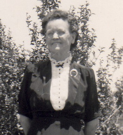 Ella Mae <i>Burdette</i> Hennington