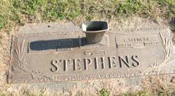 W Lois <i>Stephens</i> Bennett