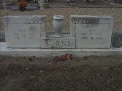 Mae <i>Gilleland</i> Burns