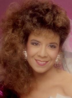Elizabeth Gail Liz <i>Castro</i> Aksteter
