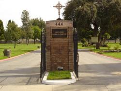 Holy Cross Catholic Cemetery