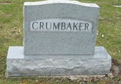 Everett C Crumbaker