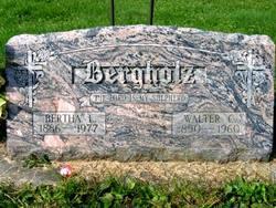 Walter C Bergholz