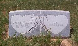Mary L <i>Holmes</i> Davis