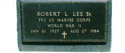 Robert L Lee