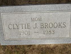 Clytie W <i>Jeffries</i> Brooks