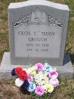 Cecil T Crouch