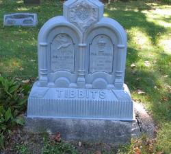 Johnathan W Tibbits