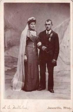 Elizabeth Magdalene <i>Mueller</i> Abraham