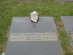 Angela <i>Richardson</i> Williams