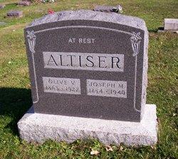 Olive Vineta <i>Hill</i> Altiser