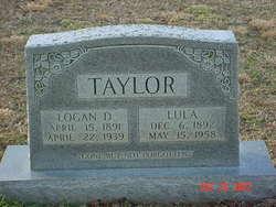 Logan D Taylor