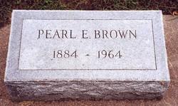 Pearl <i>Edwards</i> Brown