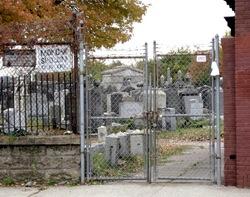 Mokom Sholom Cemetery