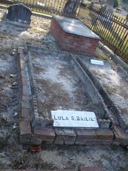 Lula <i>Simmons</i> Bailie