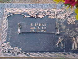 Robert Lamar Mills