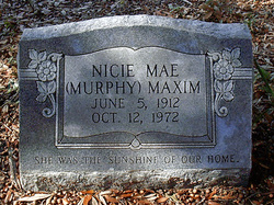 Nice Mae <i>Murphy</i> Maxim