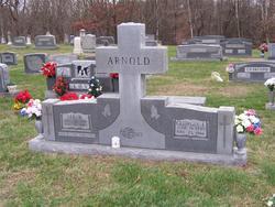 Lee W Arnold