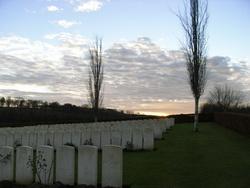 Bagneux British Cemetery, Gezaincourt
