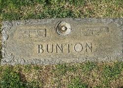 Elton (Ike) Dale Bunton