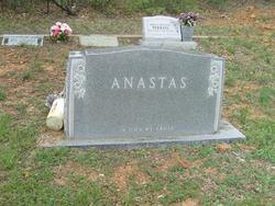 Della <i>Winslow</i> Anastas