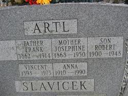 Josephine <i>Brecher (Brejcha)</i> Artl