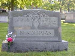 Annie <i>Hooten</i> Benderman
