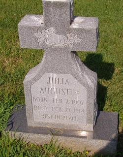 Julia Augustin