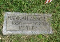 Hannah Collins <i>Perrine</i> Asselin