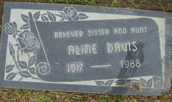 Aline Davis