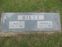 Arlie S <i>Campbell</i> Hiett