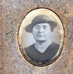 Lillian Pearl <i>Halfacre</i> Avery