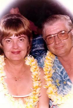 Gloria Lois <i>Lapham</i> Graber
