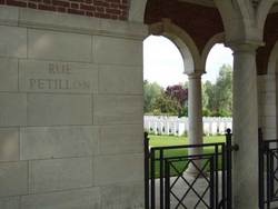 Rue-Petillon Military Cemetery, Fleurbaix