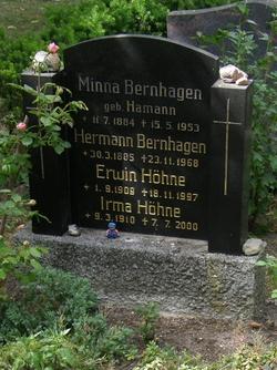 Minna <i>Hamann</i> Bernhagen