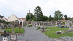 Cuvilly communal Cemetery
