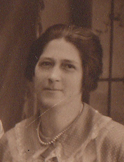 Caroline Francis Lee <i>Mueth</i> Schamoni