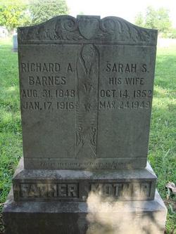 Sarah Savilla <i>Stipp</i> Barnes