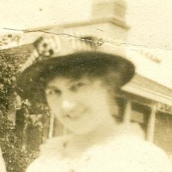 Edna Leona <i>Mikesell</i> Wolf